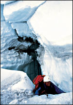 Main image of Touching the Void (2003)