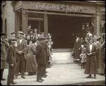 Main image of Topical Budget 194-2: Anti-German Riots (1915)