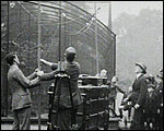 Main image of Topical Budget 695-2: Broadcasting the Zoo (1924)