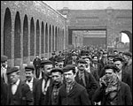 Main image of Mitchell and Kenyon: Workers at Barlow and Tweedale (1905)
