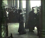 Main image of Topical Budget 181-2: The Queen and the Children (1915)