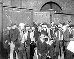 Main image of Mitchell and Kenyon: Workmen Leaving Peacock's Works (1900)