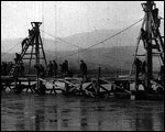 Main image of Topical Budget 297-1: Repairing a Pontoon Bridge (1917)