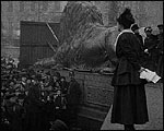 Main image of Topical Budget 272-1: Trafalgar Square Meeting (1916)
