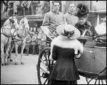 Main image of Topical Budget 298-2: King and Queen at Drury Lane (1917)