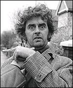 Main image of MacNaughton, Ian (1925-2002)