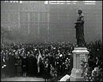 Main image of Topical Budget 967-2: In the Shadow of Big Ben (1930)
